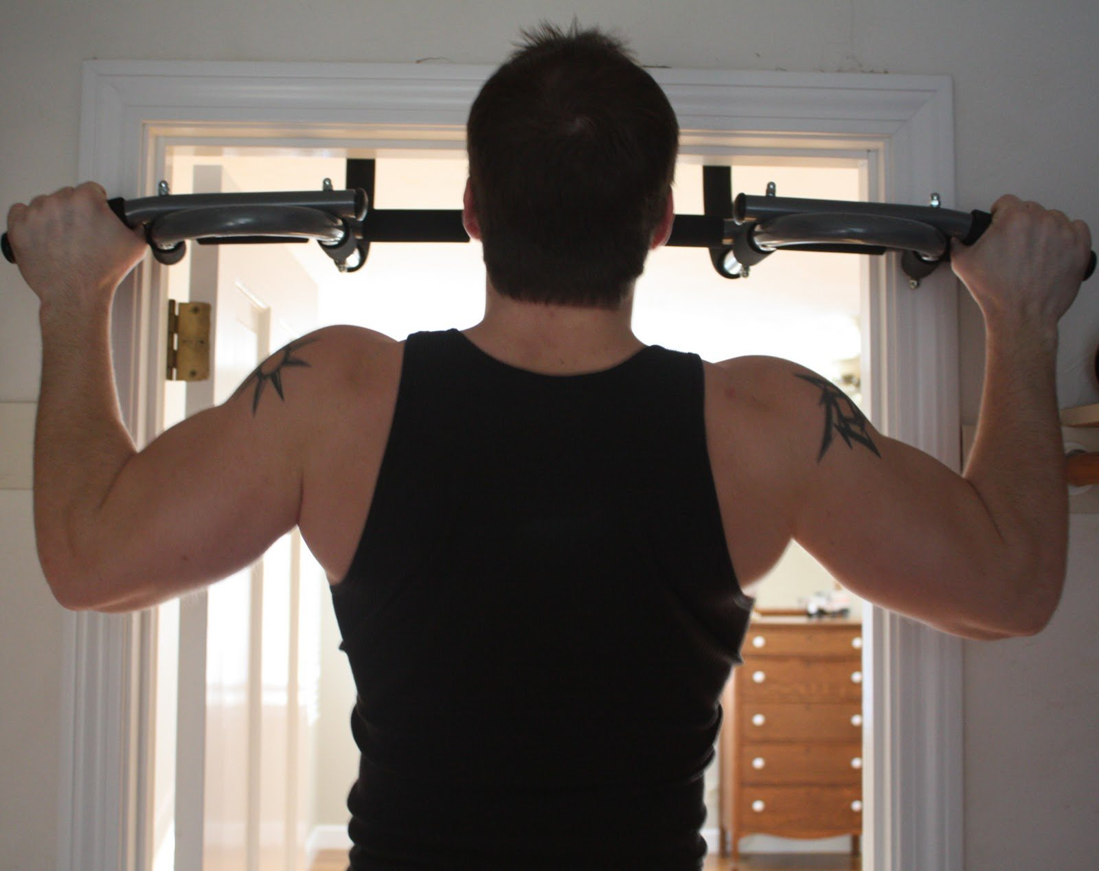 Wide pull-up